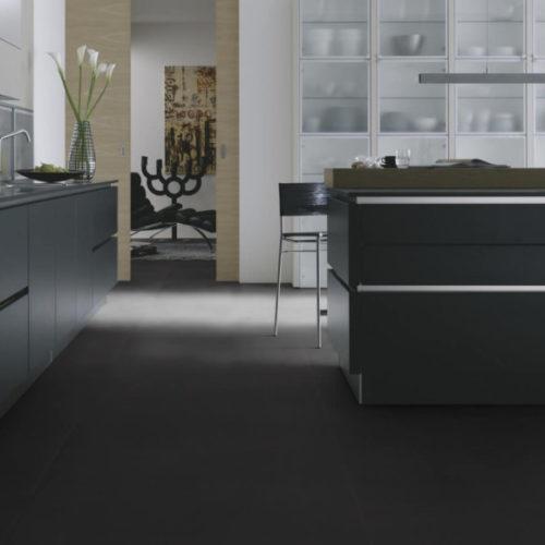 Виниловое покрытие. Коллекция Tile Solid Black, Германия