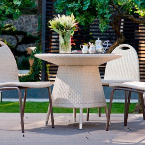 фото Комплект меблів для саду. Стіл круглий і стільці. Колекція Olando, Італія