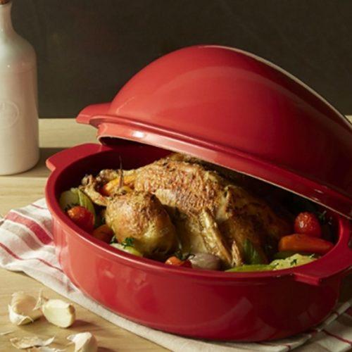 Керамическая форма для приготовления курицы целиком Emile Henry, Франция.