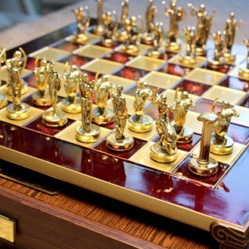 фото Шахматы античные с резными фигурами Manopoulos, Греция