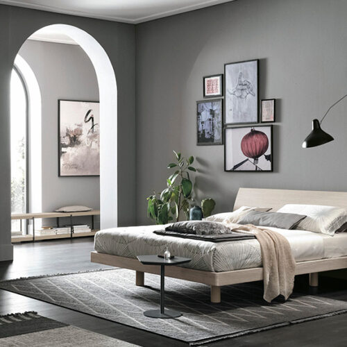 Кровать в современном стиле. Дерево, шпон, матовая и глянцевая лакировка. Возможен короб для белья. Коллекция Clio, Италия