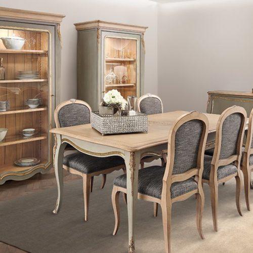 фото Меблі для їдальні. Обідній стіл, стільці, буфет з колекції Majestic Gold, Португалія