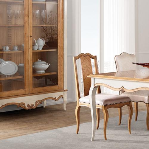 фото Меблі для їдальні. Обідній стіл, буфет-вітрина і стільці. Натуральне дерево. Колекція Baroque, Португалія