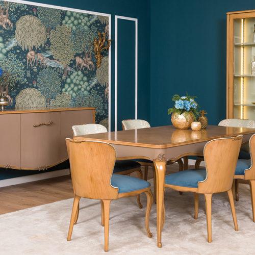 фото Меблі для їдальні. Обідній стіл, стільці, креденс та вітрина. Масив, ручна робота. Колекція Florence, Португалія
