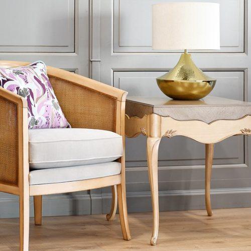 фото Меблі для зони відпочинку. Столик і крісло ручної роботи з колекції Lotus, Португалія