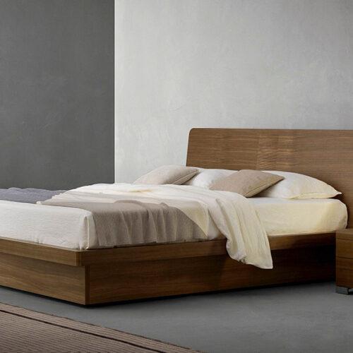 Кровать в современном стиле. Массив и шпон дерева. Возможен контейнер для белья. Коллекция Zanette Nidrа, Италия