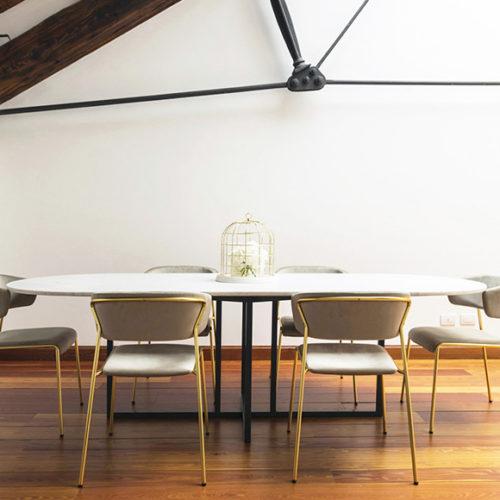 фото Комплект для їдальні. Стіл овальний і стільці. Колекція Lisa, Італія