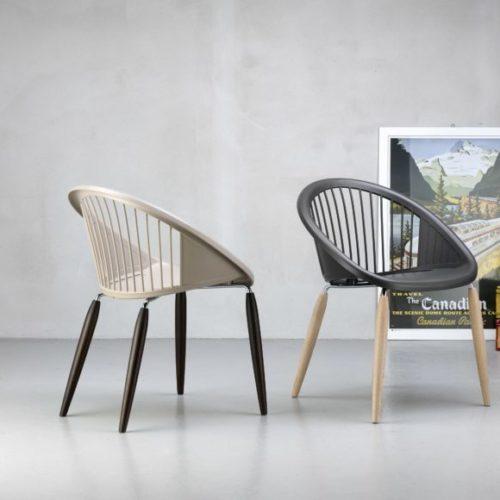 фото Стільці з голландського високоміцного пластика. Колекція NATURAL GIULIA, Італія
