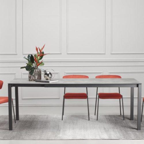 фото Стіл прямокутний для їдальні, розкладний. Стільці з анатомічною спинкою. Колекція Pranzo, Італія