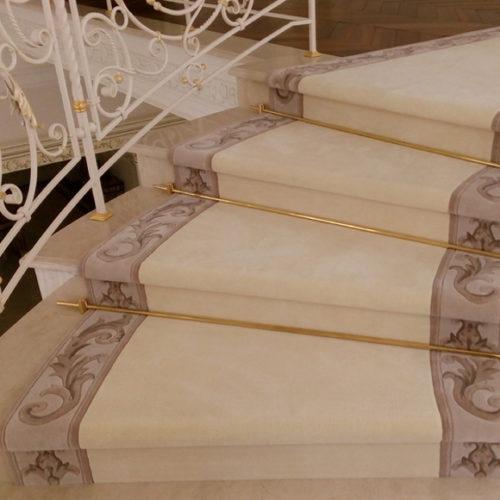 Фото Коммерческое ковровое покрытие на лестницу. Полиамид