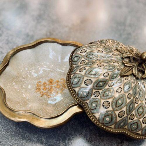 Сахарница с крышкой. Керамика с декоративным эффектом «под старину», латунь. Ручная работа. Royal Family, Италия