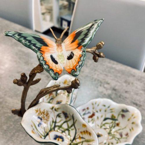 Цукерниця з 3-х блюд. Кераміка з декоративним ефектом «під старовину», латунь. Ручна робота. Колекція Butterfly by Royal Family, Італія