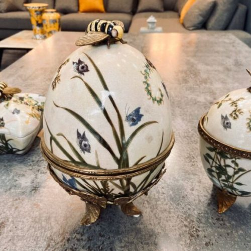 Вазочки с крышками. Керамика с декоративным эффектом «под старину», латунь. Ручная работа. Коллекция Bees by Royal Family, Италия