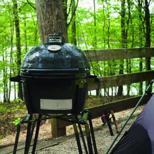 08_Керамический угольный гриль с крышкой на стационарной подставке. Керамика. Camping Primo, США