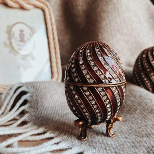 Шкатулка-яйце. Кераміка, латунь, кристали Swarowski. Ручна робота. Royal Family, Італія