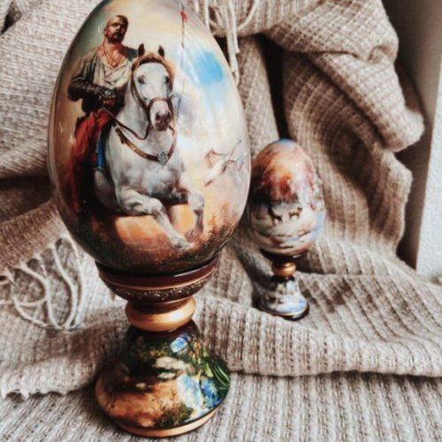 Яйце декоративне. Мініатюрний європейський живопис. Дерево, олія. Ексклюзивна ручна робота. Майстерня раритетів Монахової, Україна