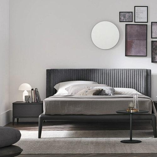 фото Мебель для спальни. Мягкое велюровое изголовье. Натуральное дерево. Коллекция Мarlena, Италия