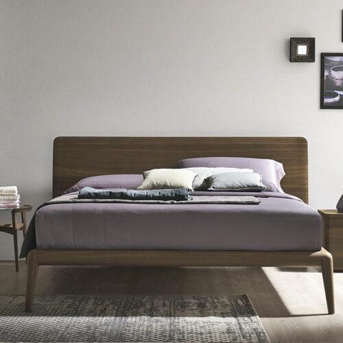 Кровать в современном стиле. Дерево, шпон. Возможен короб для белья. Коллекция LETTO PRADO, Италия