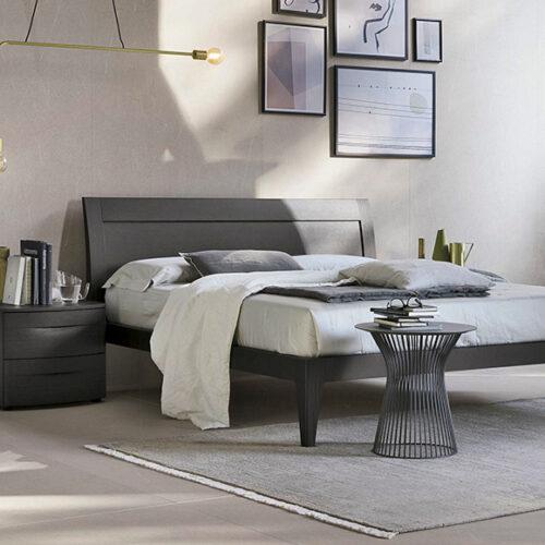 Кровать в современном стиле. Мягкое изголовье. Каркас из шпонированного дерева. Обивка ткань, эконубук, экокожа, кожа. Коллекция Мercury, Италия