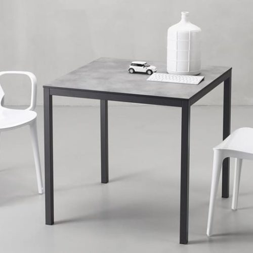 фото Стіл кухонний, квадратний 80х80см. Каркас металевий, стільниця МДФ ламінована. Дизайн в стилі лофт, декор під цемент. Мінімальна ціна 6289грн. Колекція Мirto, Італія.