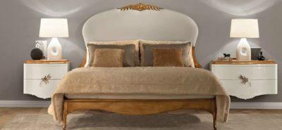 Фото Кровать двухспальная с мягким изголовьем, тумбы прикроватные. Массив французской вишни. Декор ручной работы. Коллекция Gala