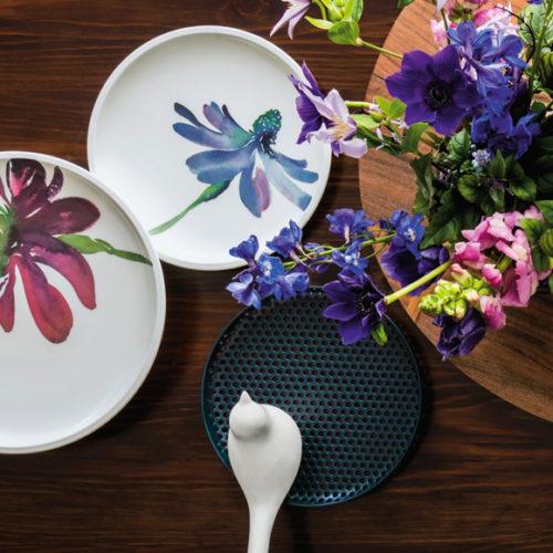 Фарфор премиум класса. Ассортимент включает блюда, тарелки, пиалы, чашки, блюдца. Коллекция Artesano Flower Art Villeroy&Boch, Германия