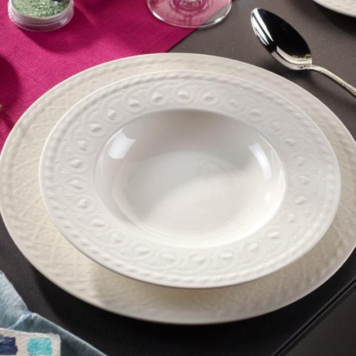 Фарфор премиум класса белого цвета. Ассортимент включает блюда, тарелки. Коллекция Cellini Villeroy&Boch, Германия