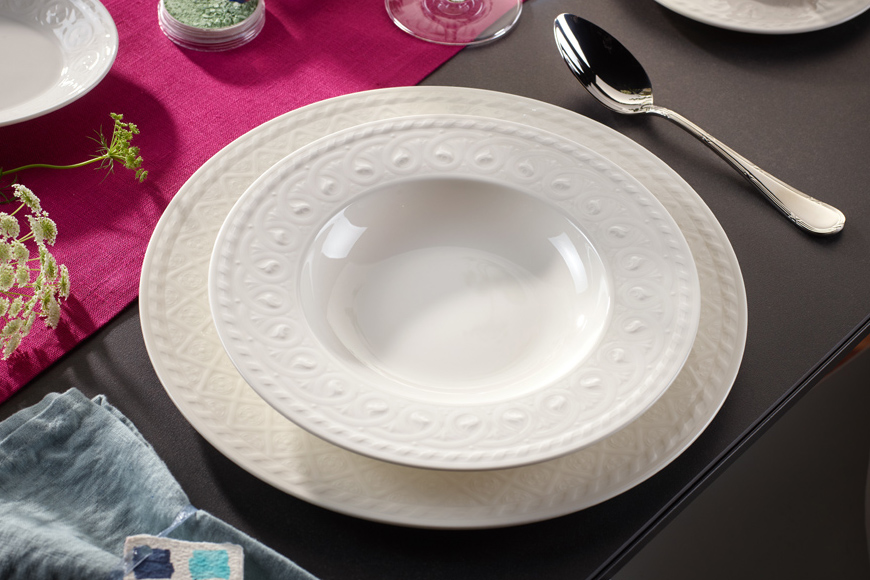 Фото Фарфор белый премиум класса. Ассортимент включает блюда, тарелки, пиалы. Коллекция Cellini Villeroy&Boch, Германия