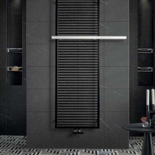 Фото Полотенцесушитель водяной. Сталь черного цвета. Коллекция SHADOW, Италия