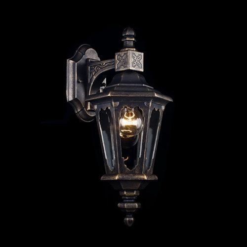 Светильник настенный для улицы в классическом стиле
