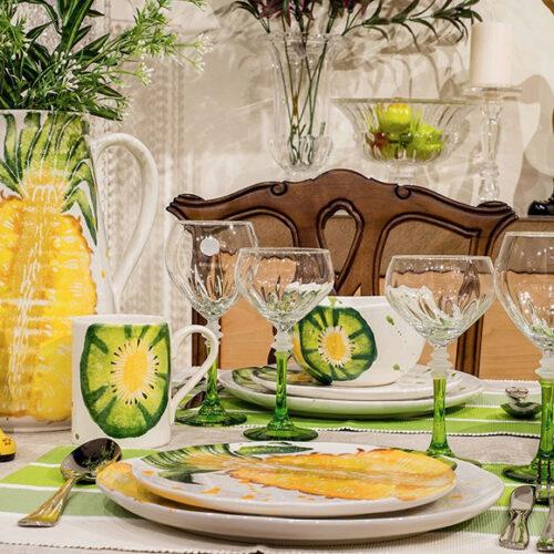 Фарфор расписной. Блюда, тарелки, чашки. Бокалы из цветного стекла. Brandani Pineapple&Kiwi, Италия