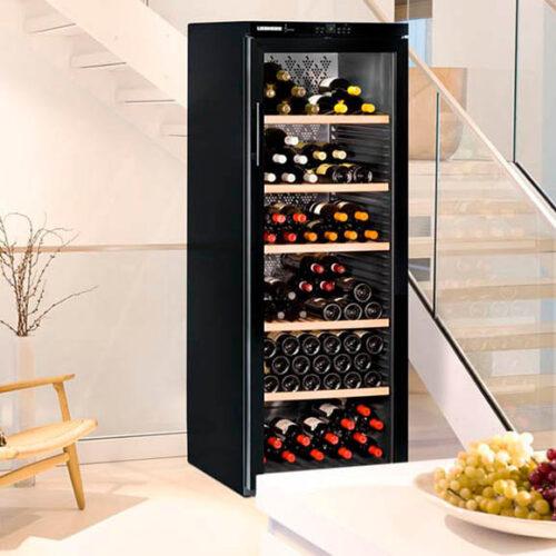 Винный шкаф отдельностоящий. Вместимость до 200 бутылок. Электронное управление. Liebherr, Германия