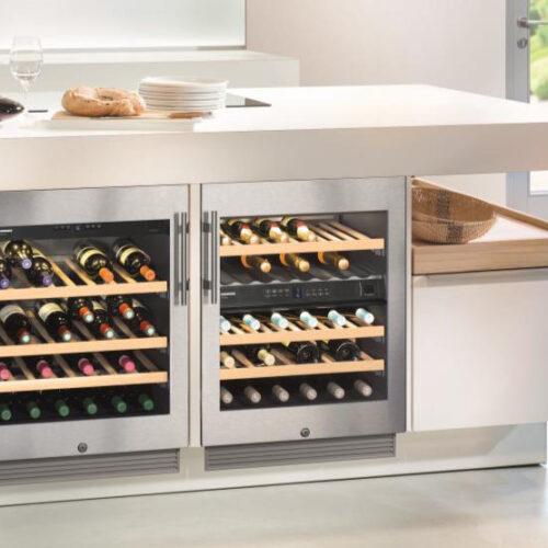 Встраиваемый винный шкаф. Две независимые температурные зоны.Вместимость до 34 бутылок. Liebherr, Германия