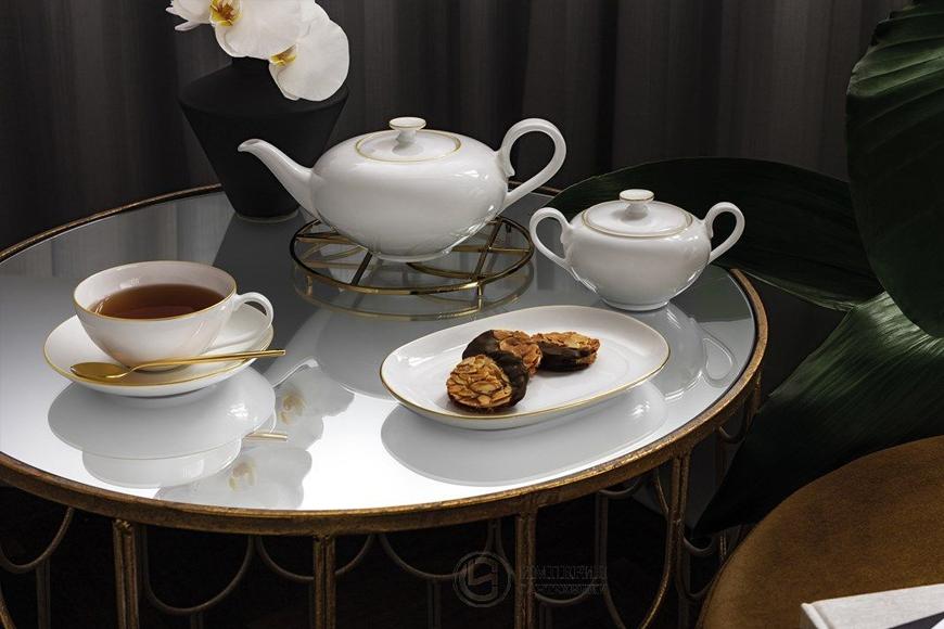 Сервиз столовый и чайный. Белый фарфор премиум класса Villeroy&Boch. Отделка тонкой золотой каймой. Коллекция Anmut Gold, Германия